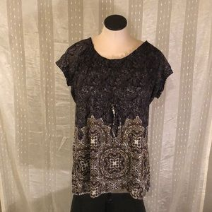 Casual patterned top